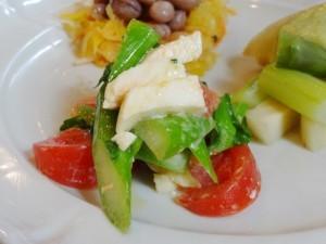 春来菜とモッツァレラのからしオリーブオイルあえ