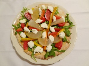 いろいろな野菜のかんずり風味とリコッタチーズをのせたピッツア アンティパスト