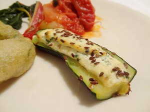 ズッキーニのリコッタチーズ、粒山椒詰オーブン焼